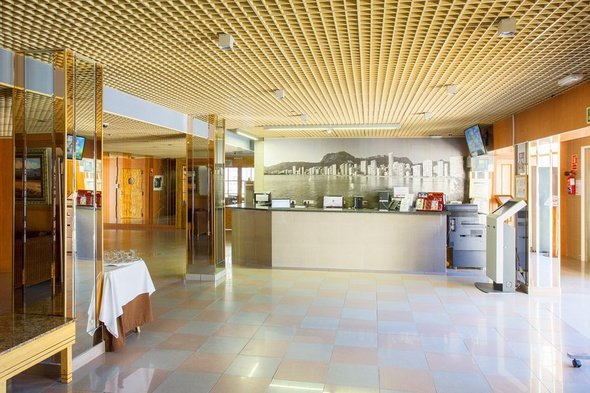 24 hour reception magic villa benidorm hotel