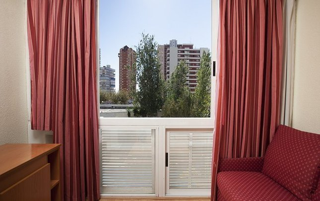 Double room for single use (single-parent family) magic villa benidorm hotel